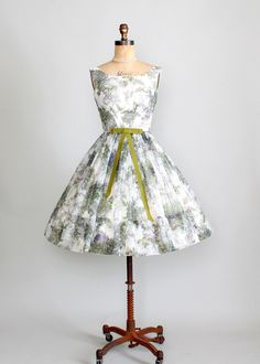 .1950's Floral Party Dress. Love the bow...