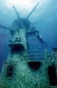 Scuba dive HMAS Swan wreck, Geographe Bay, Western Australia - Dive Adventures Australia