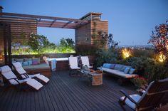 Taras na dachu, taras, meble na taras, balkon, urządzanie tarasu, taras z drewna. Zobacz więcej na: https://www.homify.pl/katalogi-inspiracji/19988/taras-na-dachu-sposob-na-ogrod-w-sercu-duzego-miasta