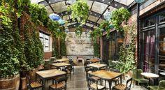 Los 10 hoteles más románticos de Nueva York Ludlow Hotel, Brick Siding, Outdoor Dining, Outdoor Decor, Best Boutique Hotels, Lobby Lounge, Lower East Side, Rooftop Terrace, Modern Exterior