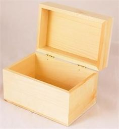 Every cook needs one of theseand can be used to store flashcards in the classroom. This basswood recipe box can easily be painted or stained to make it uniquely yours. The approximate exterior dimens