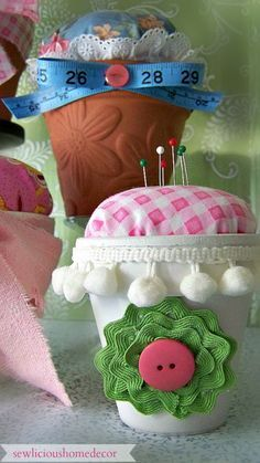 Flower Pot Pin Cushion tutorial. sewlicioushomedecor.com