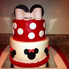 Minnie Mouse theme cake... Great theme for a baby shower or birthday party!