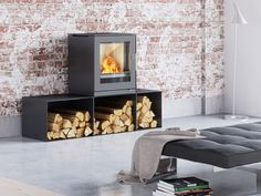 Multi fuel stove - ideal for small places. RAIS Q-Tee 2 is suitable for coal-firing because the combustion chamber is reinforced and has extra air supply. Contemporary Wood Burning Stoves, Small Stove, Firewood Rack, Multi Fuel Stove, Small Places, Cottage Interiors, Steel Doors, Large Windows, Autocad