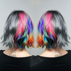 There are lots of reasons to choose to dye your hair shades of silver. At first, silver gray hair color looks awesome! If you are considering of embracing the grays you are getting, look to these trendy celebrity gray hair color ideas 2019 below. Pink Grey Hair, Teal Hair, Silver Grey Hair, Red Hair Color, Cool Hair Color, Hair Colors, Grey Hair Celebrities, Gorgeous Hair, Beautiful