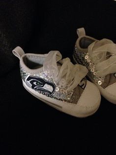 Loley pops creations Seattle Seahawks baby shoes 3/6 months,  6/9 months, and 9/12 months on Etsy, $16.00