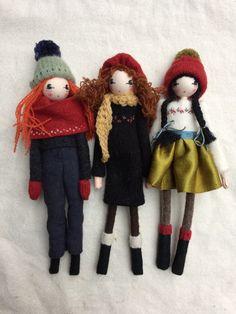 Christmas dolls by Sarah Strachan Fabric Animals, Devon, Waldorf Toys, Sewing Toys, Fairy Dolls, Doll Crafts, Creative Crafts, Handmade Toys, Doll Patterns