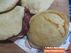 La ricetta per prepararle e gustarle anche farcite! Frittata, Picnic, Dairy, Bread, Cheese, Food, Brot, Essen, Picnics