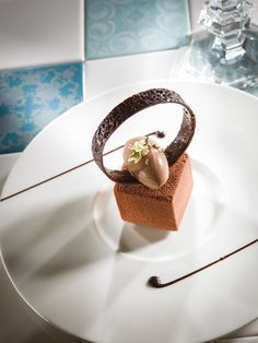 Cube au chocolat Jivara & coeur passion sorbet cacao | Arts & Gastronomie