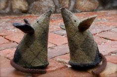 Felted Sweater Mice. I might try these with old argyle socks that are too dead to darn.