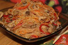 Этот рецепт мы придумали с Дашкой. Что-то нашли в интернете, что-то добавили по своему вкусу. Получилось очень вкусно!!! Даже мой муж ел с огромным удовольствием!!! Дочка сказала, что это гораздо вкуснее, чем мы заказываем на дом корейскую лапшу. Это значит очень много! Мои домочадцы очень привередливы в таких вещах. Рецепт будет жить у нас долго. Советую приготовить!