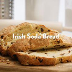 Irish Recipes, Bread Recipes, Sweet Recipes, Yummy Recipes, Baking Recipes, Yummy Food, Moist Irish Soda Bread Recipe, Bread Recipe Video, No Bake Desserts