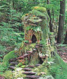 Natural Fairy Houses 8 Whimsical Fairy Houses Quarto Homes – Blumuh Garden Fairy Tree Houses, Fairy Village, Fairy Garden Houses, Gnome Garden, Garden Crafts, Garden Art, Garden Ideas, Fairy Doors, Miniature Fairy Gardens
