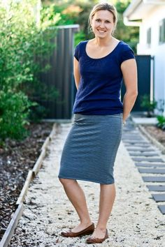 30-Minute Skirt - a FREE pattern! If you're not comfortable sewing with knits, let this be the pattern you start with!