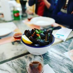 Moules and Beer on @tasteoflisboa food tour of Lisbon #lisbon #portugal #lisboa