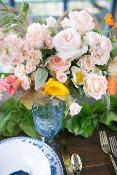 Pink rose centrepiece | Jessica Tucker Photography | Tulsa Venue - Dresser Mansion