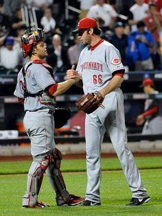 Mesoraco homers in Reds second straight win.