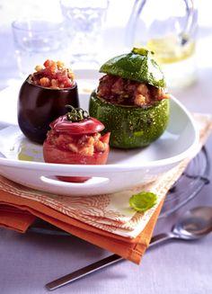 Unser beliebtes Rezept für Mit Ratatouille gefüllte Tomaten, Zucchini und Auberginen und mehr als 55.000 weitere kostenlose Rezepte auf LECKER.de.