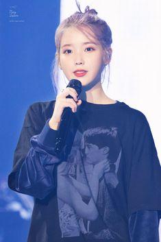 Iu Fashion, Korean Fashion, Cute Korean, Korean Girl, Kpop Girl Groups, Kpop Girls, Korean Star, Blackpink Photos, Korean Actresses