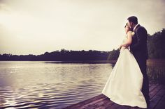 Brautpaarshooting am See #hochzeit #hochzeitspaar #liebe