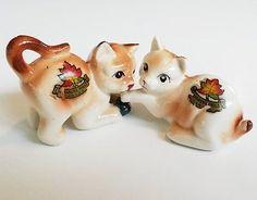 Vintage Kitty Cat Ceramic Salt & Pepper Shakers Kakabeka Falls Canada Souvenir.
