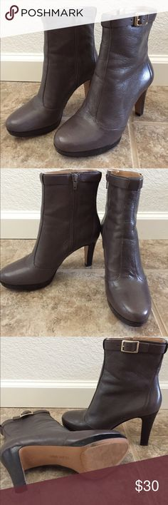 Leather Ankle Boots. Size 7. Nine West leather ankle boots. Only worn once and are in like new condition! Heel is about 3 inches high and toe has a 3/4 inch platform. Boots have a zipper on the inner ankle making them easy to slip on and off. Nine West Shoes Ankle Boots & Booties