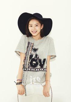 (1) Tumblr Park Soo Jin, Tumblr, Actresses, Fashion, Female Actresses, Moda, Fashion Styles, Fashion Illustrations, Tumbler
