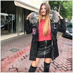 Monday morning 🛍🛍🛍  Parkas 84.90€  Skirt 32.90€  Sweater 29.90€   Boots 99.00€