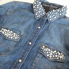 Diy Clothes Jeans, Recycle Old Clothes, Clothes Crafts, Diy Clothing, Jean Diy, Diy Fashion Hacks, Denim And Diamonds, Mode Jeans, Denim Ideas