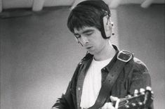 Noel Gallagher covers The Verve's 'Bitter Sweet Symphony'