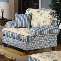 Hickory Craft 9809 Upholstered Chair with Patterned Upholstery - Godby Home Furnishings - Upholstered Chair Noblesville, Carmel, Avon, Indianapolis, Indiana