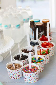 Birthday party food bar ice cream sundaes 57 ideas Birthday party food bar ice cream sundaes 57 ideYou can find i. Bar Sundae, Sundae Party, Diy Ice Cream, Ice Cream Party, Ice Cream Sundaes, Ice Cream Toppings, Sundae Toppings, Sprinkle Party, Ice Cream Social