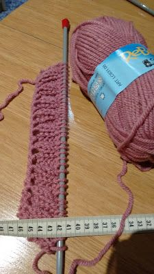 Manetes d'Or: Bufanda Mágica Paso a Paso Home Crafts, Diy Crafts, Knitted Hats, Crochet Hats, Leg Warmers, Baby Dress, Winter Hats, Knitting, Accessories