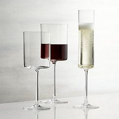 Drink your favorite beverage in style with wine glasses and stemware from Crate and Barrel. Browse a variety of wine glasses, tumblers and acrylic stemware. Square Wine Glasses, White Wine Glasses, Stemless Wine Glasses, Champagne Glasses, Cool Wine Glasses, Modern Wine Glasses, Wine Decanter, Contemporary Wine Glasses, Types Of Wine Glasses