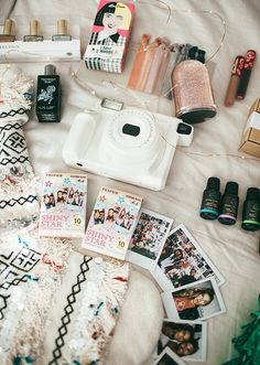 Camera Polaroid - Shooting Great Photos Is Just A Few Tips Away Poloroid Camera, Vintage Polaroid Camera, Polaroid Pictures, Polaroids, Instax Wide 300, Summer Aesthetic, Fujifilm Instax, Camera Photography, Girly Things