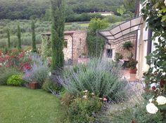 33 exemples pour aménager son jardin dans un style Provençal!