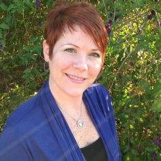 This professional offers residential Swedish and therapeutic massage with deep tissue and neuromuscular techniques, and Reiki hands-on healing services. She uses organic massage lotions and products.