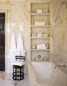 The towel niches/shelves are spectacular.