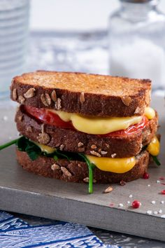 Easy Snacks, Easy Meals, Christmas Trifle, Popsicle Party, Grilled Bread, Veggie Sandwich, Good Food, Yummy Food, Sweet Chili