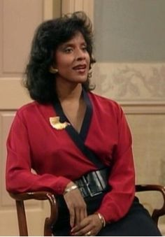 I've a bad case of Clair Huxtable! - gorgeous, poised, classy. She's my ideal mother figure (whether she really exists in real life is another topic :)
