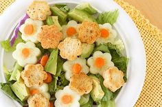 Yes, world, let's make salad prettier with shaped croutons, please. Make flower croutons HERE at Lisa Storms. Tostadas, Family Meals, Kids Meals, Cute Food, Good Food, Veggie Platters, Food Art For Kids, Childrens Meals, Spring Salad