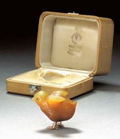 A JEWELLED GOLD-MOUNTED AGATE MODEL OF A CHICK BY FABERGÉ, CIRCA 1890 Price realisedUSD 47,800.   19/04/02.    Christies