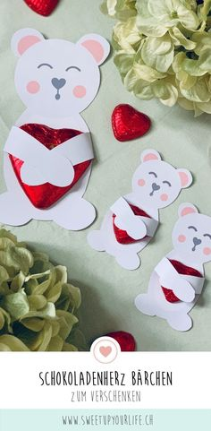 Chocolate heart bear gift - Whether for Christmas or Valentine& Day. These little bears are a great homemade gift! Pin Collection, Techno, Alice, Presents, Valentines, Blog, Crafts, Massage, Beautiful Pictures