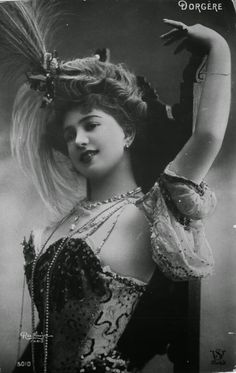 VINTAGE PHOTOGRAPHY: 1900's Edwardian actress Arlette Dorgere