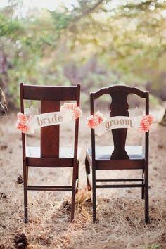 Décoration de chaises : le marié, la mariée !
