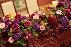 冬の装花 雅叙園様へ 大正浪漫風に Gothic Wedding, Glamorous Wedding, Wedding Event Planner, Wedding Events, Weddings, Fall Flowers, Wedding Flowers, Event Lighting, Wedding Lighting