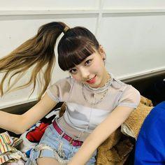 I got a ponytail I got a ponytail I got a popopopopopopopo ponytail💃 Kpop Girl Groups, Korean Girl Groups, Kpop Girls, Programa Musical, New Girl, South Korean Girls, Ponytail, Asian Beauty, Dreadlocks