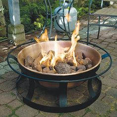This attractive outdoor propane fire pit is actually portable. Take it camping! The Camp Chef Del Rio Propane Fire Pit - Outdoor Propane Fire Pit, Outdoor Tub, Gas Fire Pit Table, Outdoor Fire, Outdoor Spaces, Outdoor Dining, Copper Fire Pit, Rustic Fire Pits, Portable Fire Pits