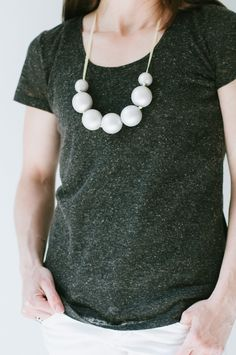 mother's {day} diy necklace. Get your supplies at www.fizzypops.com