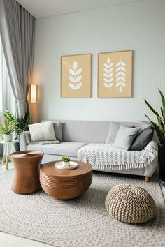 Summer Deco, Rugs In Living Room, Home And Living, Room Rugs, Earthy Living Room, Neutral Living Room Sofas, Casual Coastal Living Room, Living Room Decor With Plants, Living Room Wall Decor Ideas Above Couch